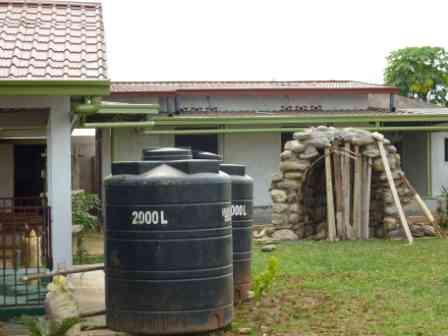 Cisterne da giardino frusta per impastare cemento for Colonne da giardino